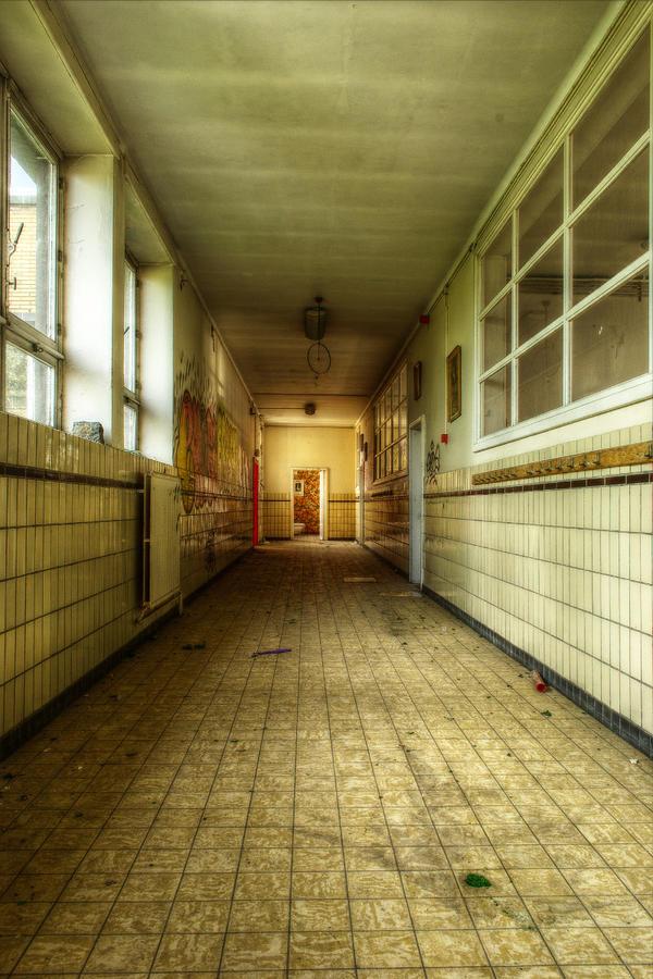 Ecole Blaeps 17 by yanshee
