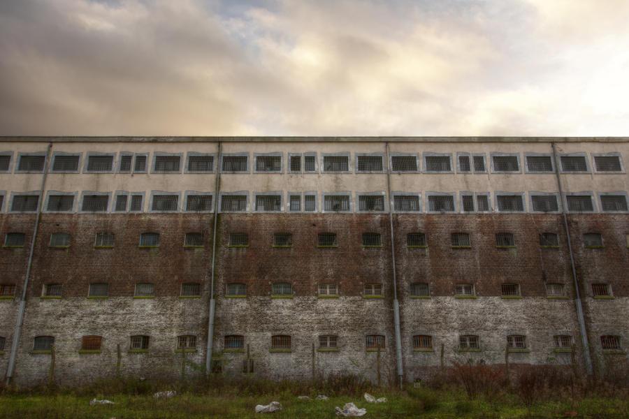 Prison 15H 82 by yanshee