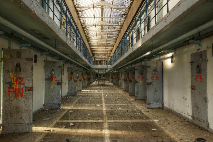 Prison 15H 55 by yanshee