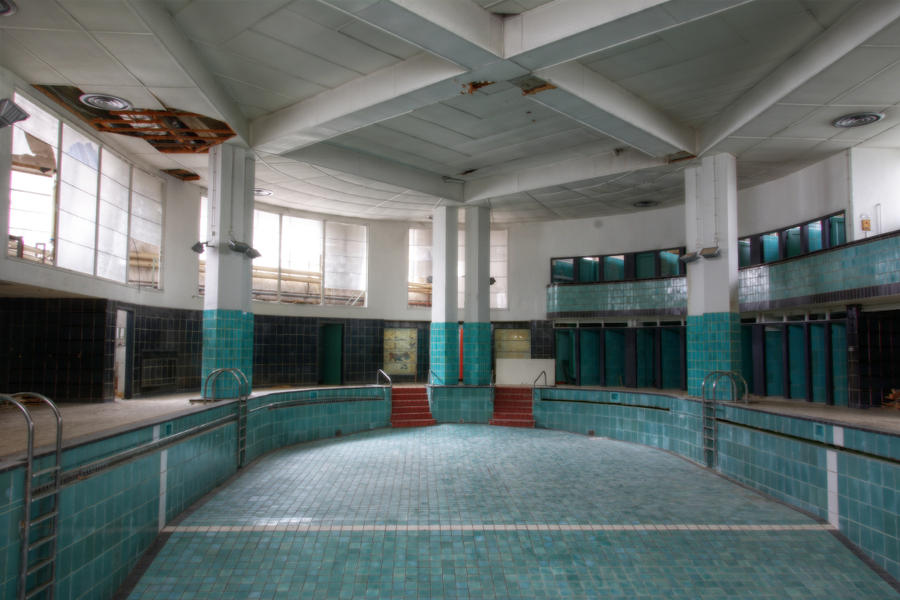Piscine Art Deco 01 by yanshee