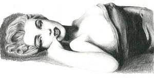 Marilyn Monroe reclining