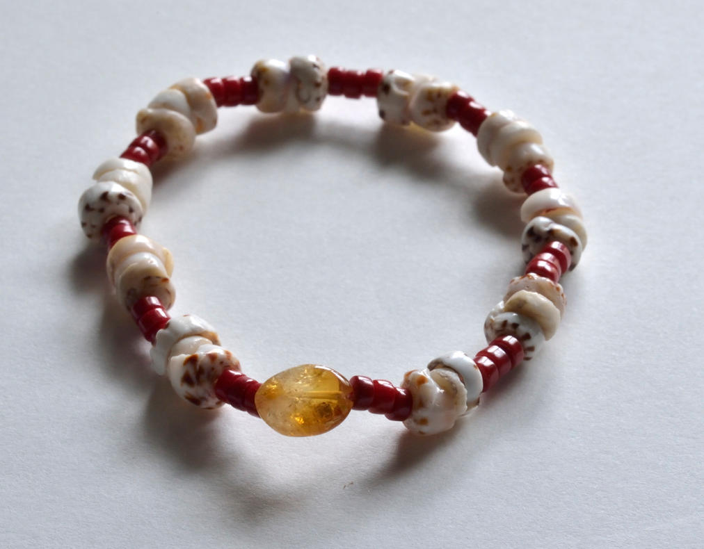 shell and coral bracelet by lamorth-the-seeker
