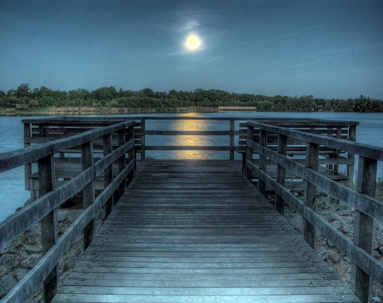 Night docks by Rellim