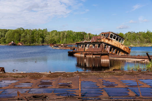 chernobyl shipwreck #14