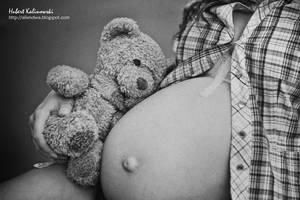 pregnant VII by AlieNdwa
