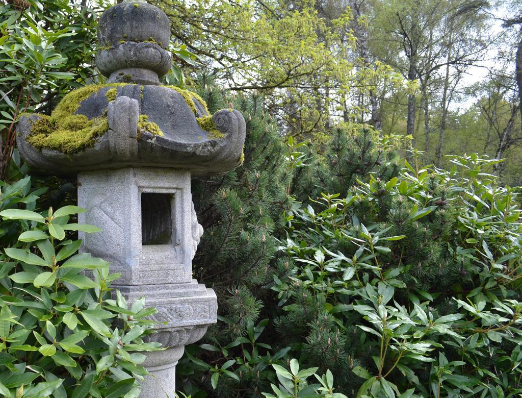 Kubota Gardens Japanese Statue Thingy By Singing Wolf 12 ...