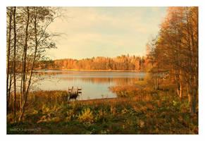 Autumn Lake by nnIKOO