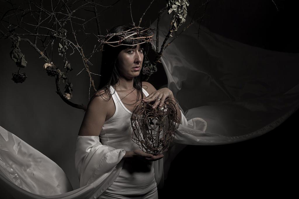 Queen Of The  Broken Hearts by CatarsisADiez