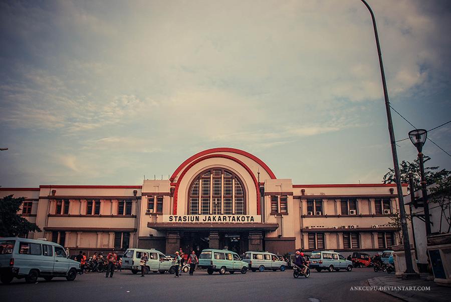 Stasiun Kota by ankcupu