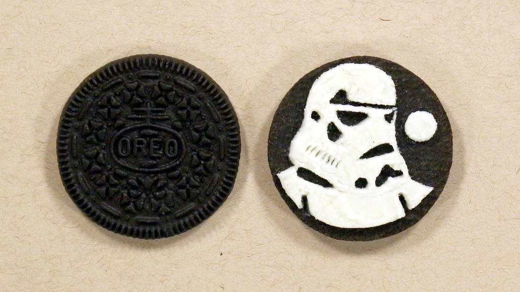 Imperial Stormtrooper on an OREO by Kitslam by kitslam