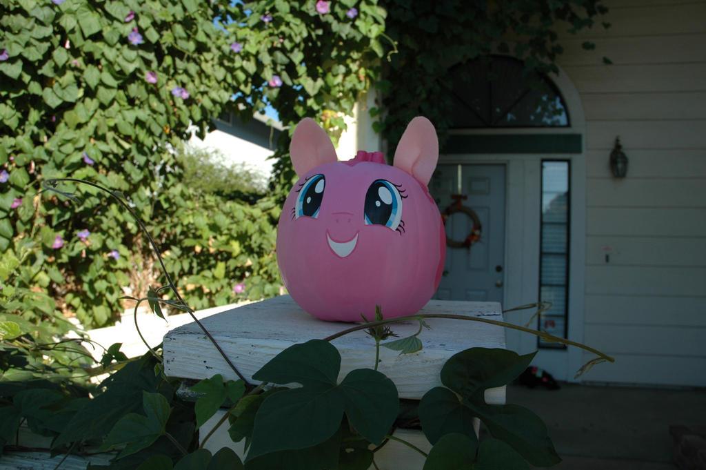 My Little Pumpkin (Pinkie Pie) by thatg33kgirl