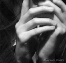 Hands by manzanaoscura