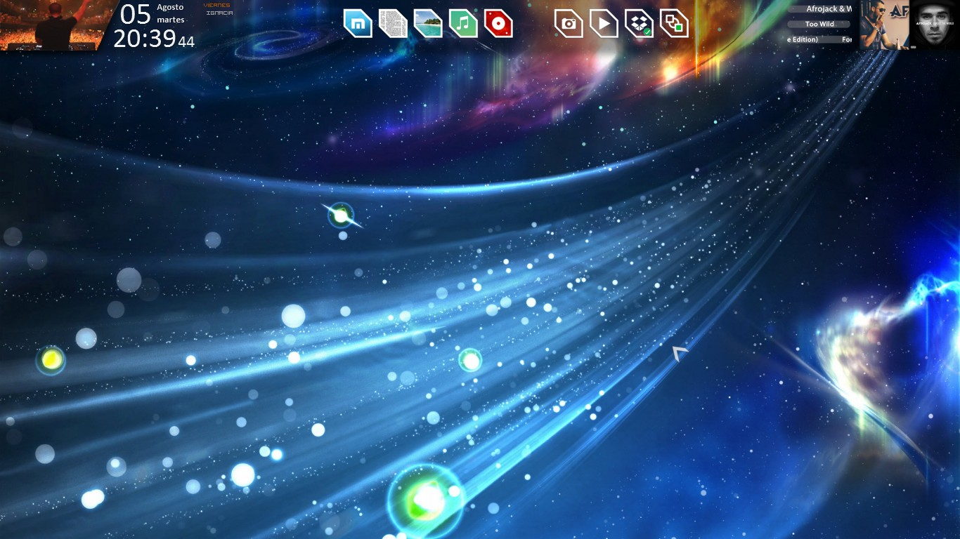 Screenshot - August 2014 - Desktop v1 by evildarklxs