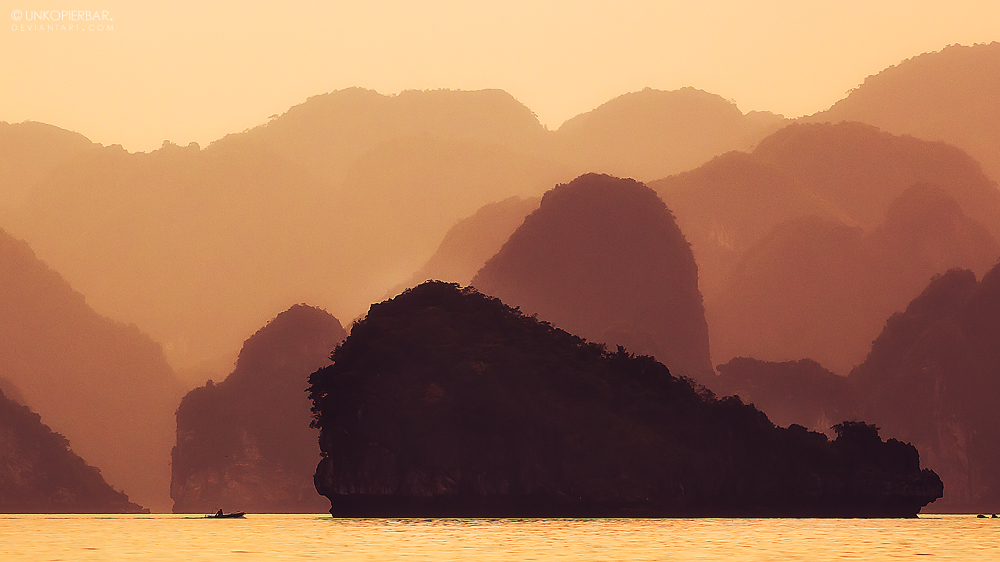 Halong Sunset by Unkopierbar