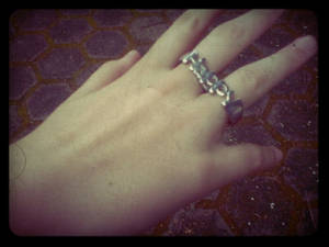 Lola's ring and hand