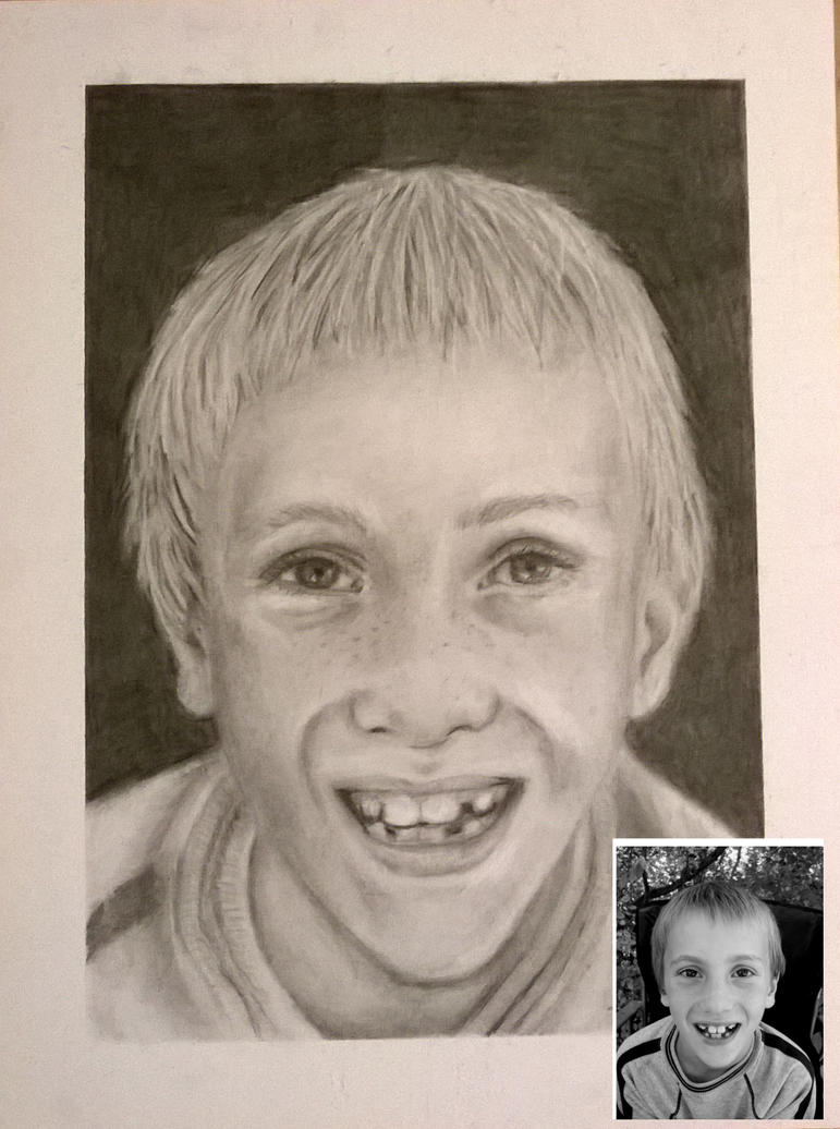 Graphite portrait Example #5 by helenscreations