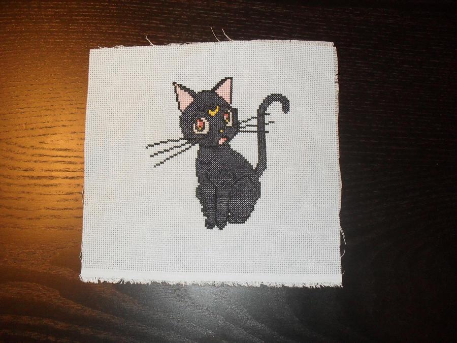 Luna cross stitch by Nikkirose555