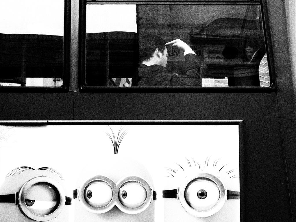 000 on the bus series by noahsamuelmosko
