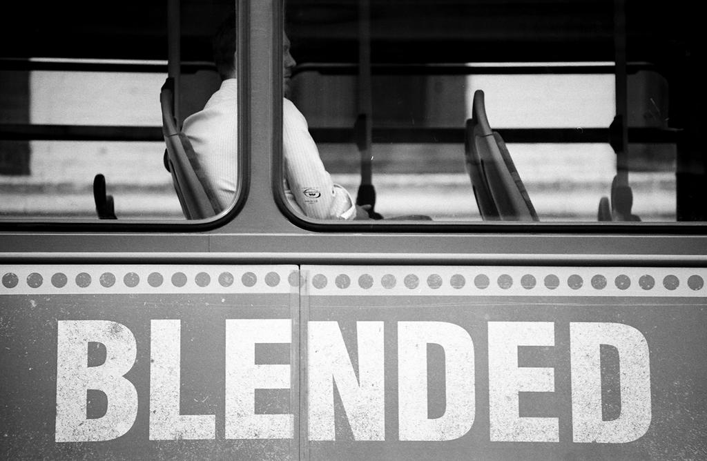 004 on the bus series by noahsamuelmosko