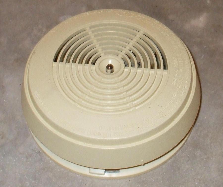 1839n smoke detector by cheetahmikey