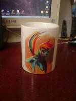 Rainbow Dash mug by lionovsky