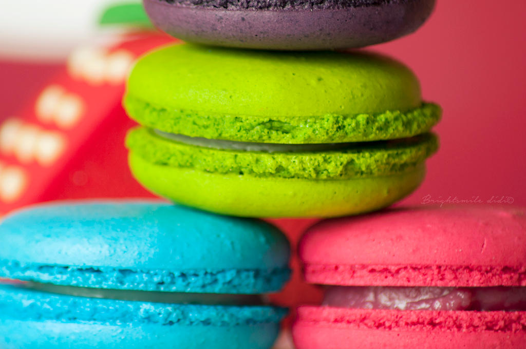 Yummy Macaroons by Brightsmile-didi