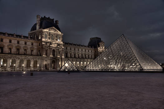 Louvre in HDR