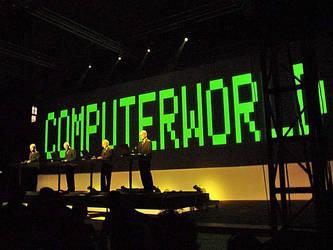 KRAFTWERK LIVE photo 2