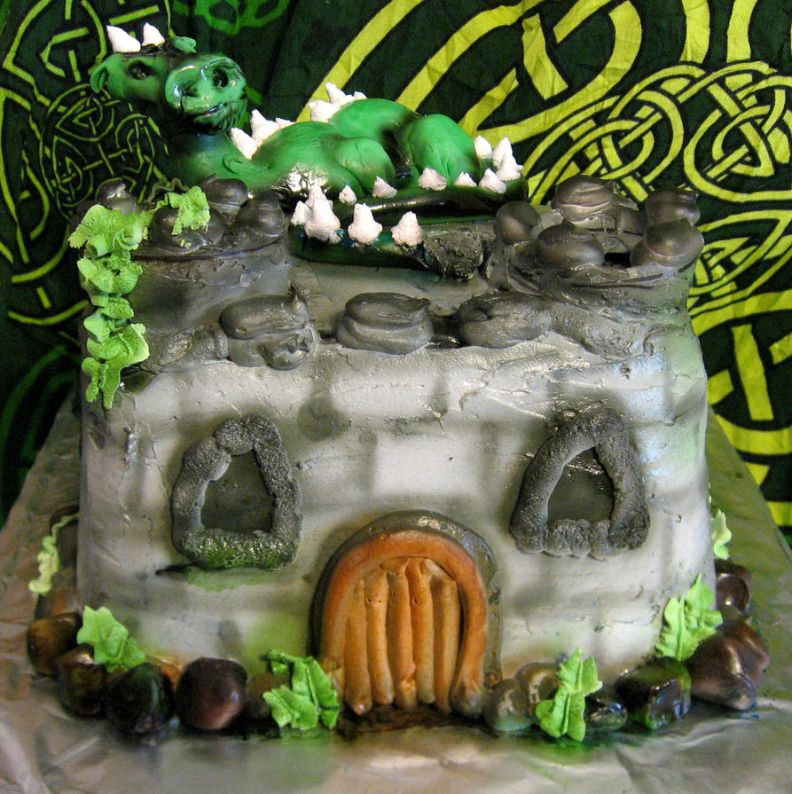 Castle and Dragon Cake by Dantes5thCircle