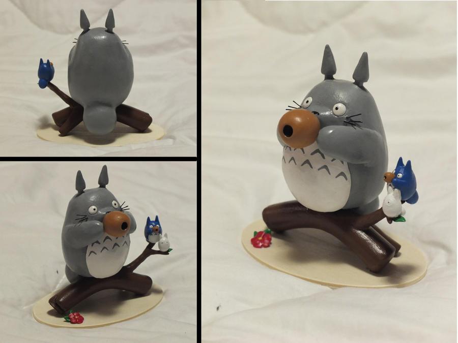 Totoro by animeyume06