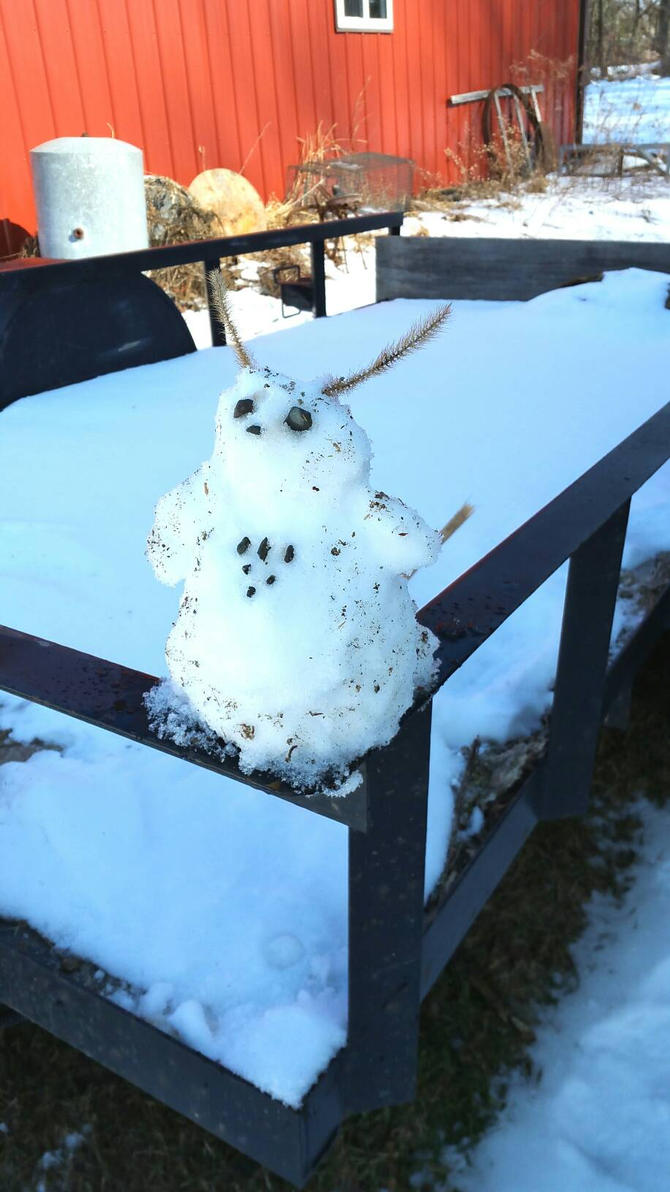 Friendly Little Snowthing by gbjewelz