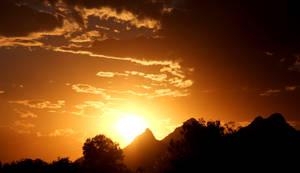 Sunset 2523 by Mammoth-Hunter