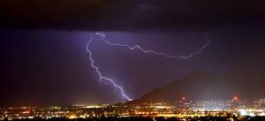 Lightning 1790 by Mammoth-Hunter
