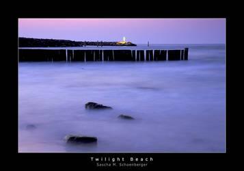 Twilight Beach by lostheart