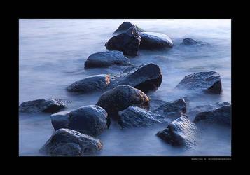 Seaside Whisper by lostheart