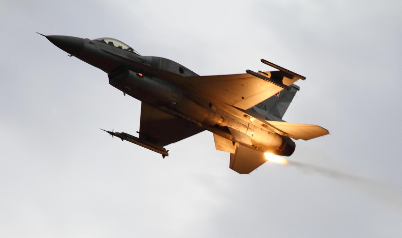 Lockheed Martin F-16CJ Fighting Falcon by PlaneSpotterJanB