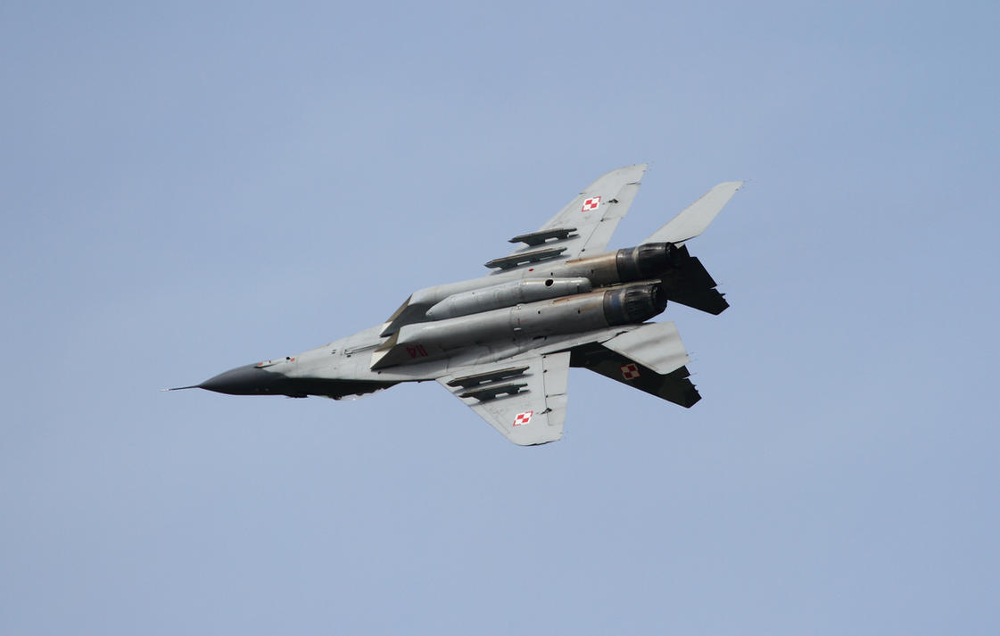Mikoyan-Gurevich MiG-29 by PlaneSpotterJanB