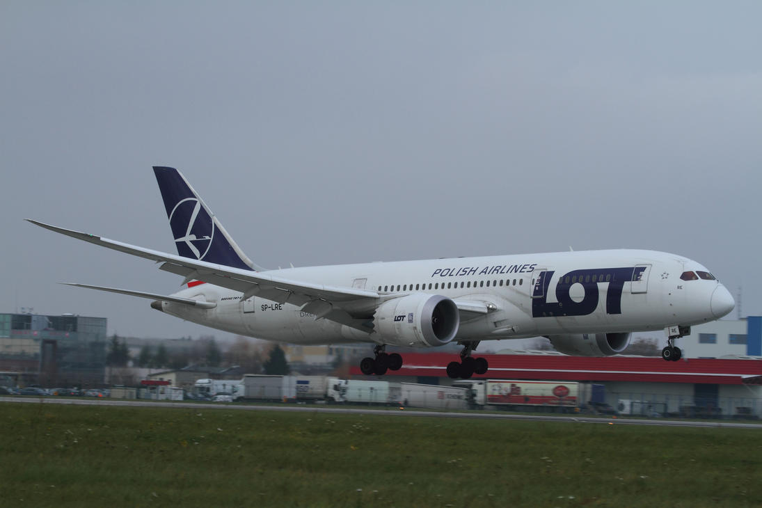 Boeing 787-8 Dreamliner by PlaneSpotterJanB