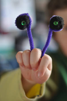 Oobi TV Show: Uma Monster Hand Puppet