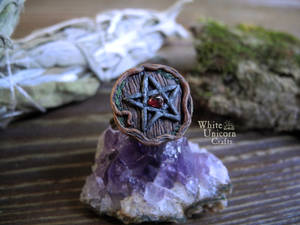 Pentacle ring with garnet