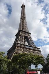 La Tour d'Eiffel by Acromatic