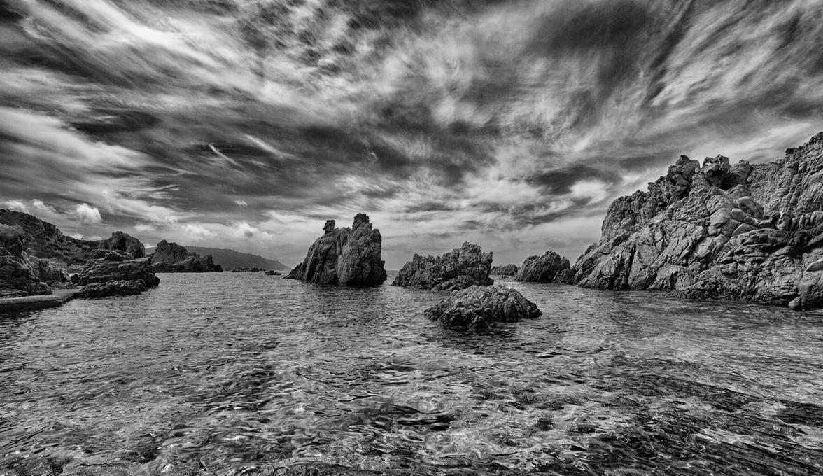 Dark beach by luethy