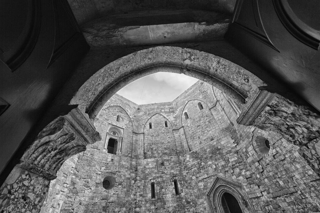 Castel del Monte 01 by luethy