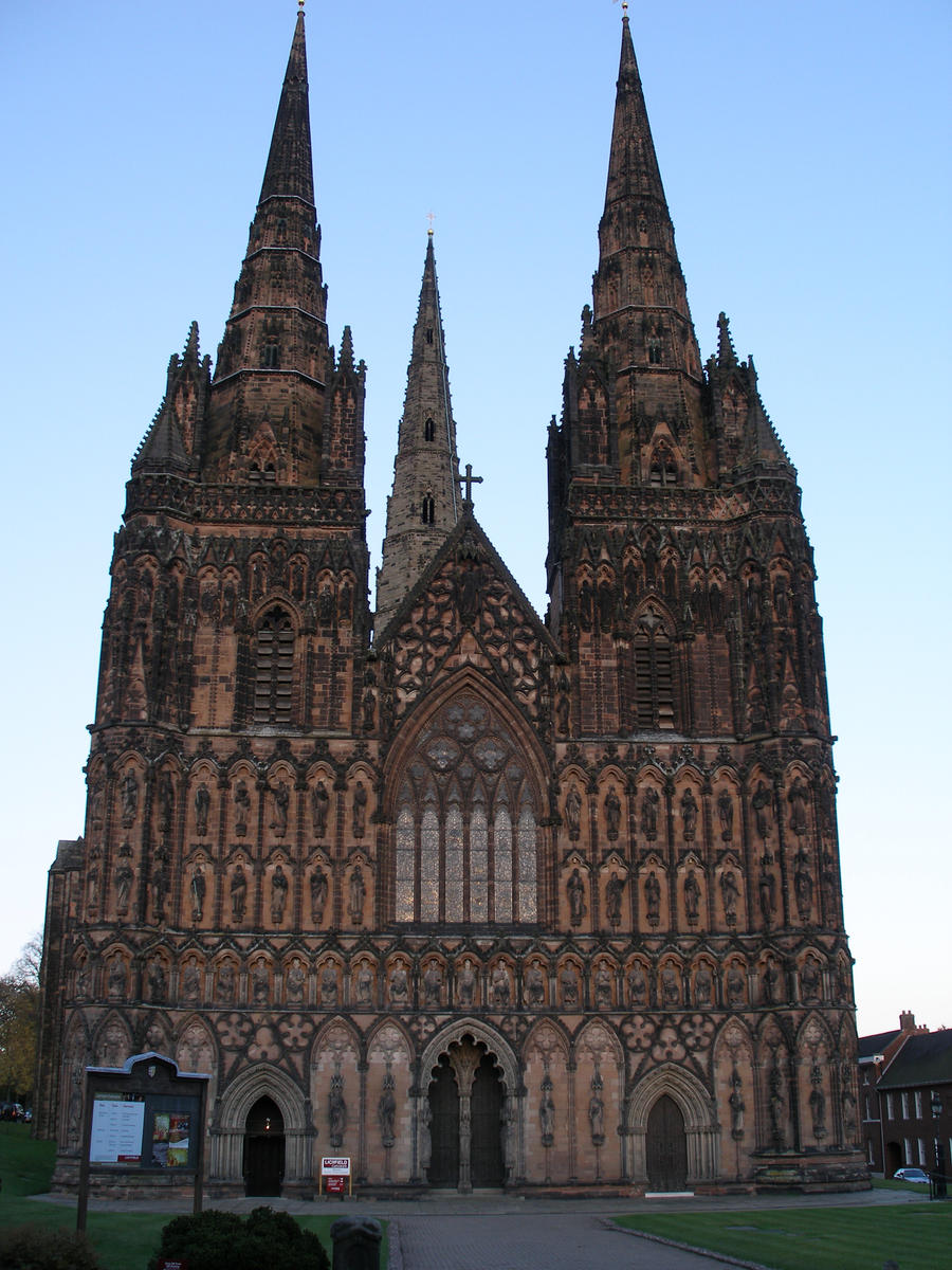 lichfield chatrooms Visiting the cathedral welcome to lichfield cathedral, where you can discover over 1300 years of history in the only medieval three-spired cathedral in the uk.