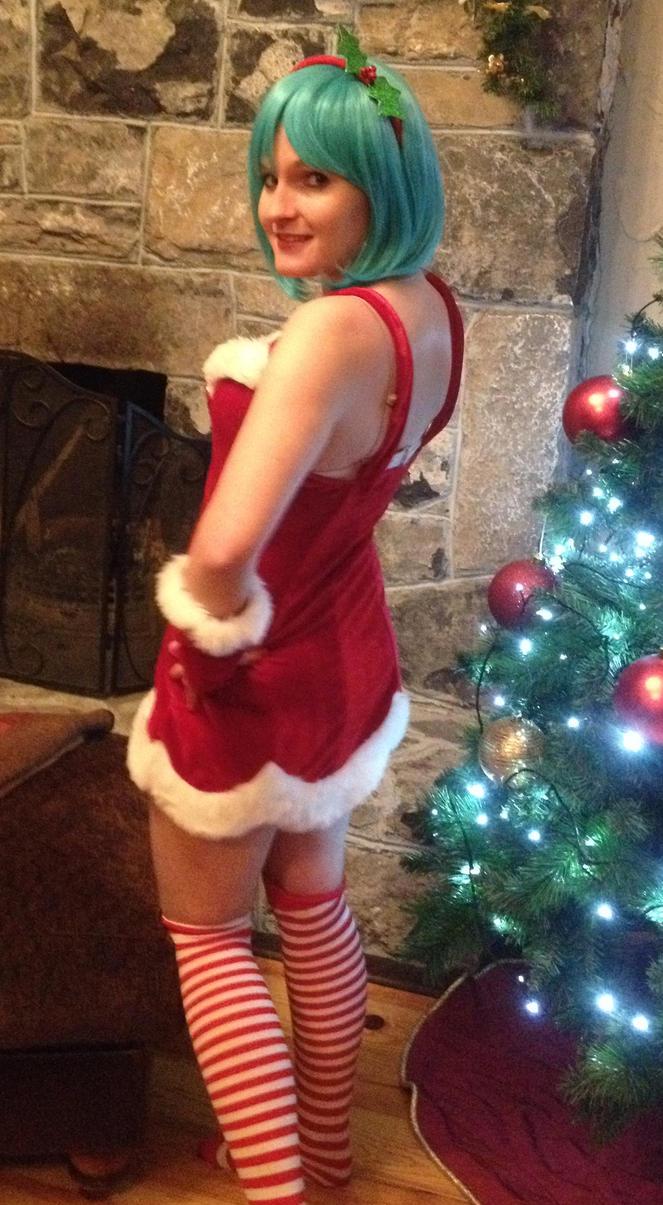 Christmas Bulma by DBZprincess