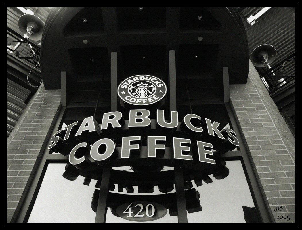 Starbucks Coffee by AlucardBremen