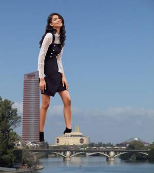 Giantess Chanel Iman 2