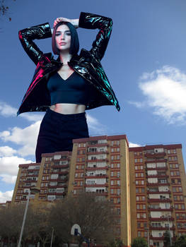 Giantess Dua Lipa