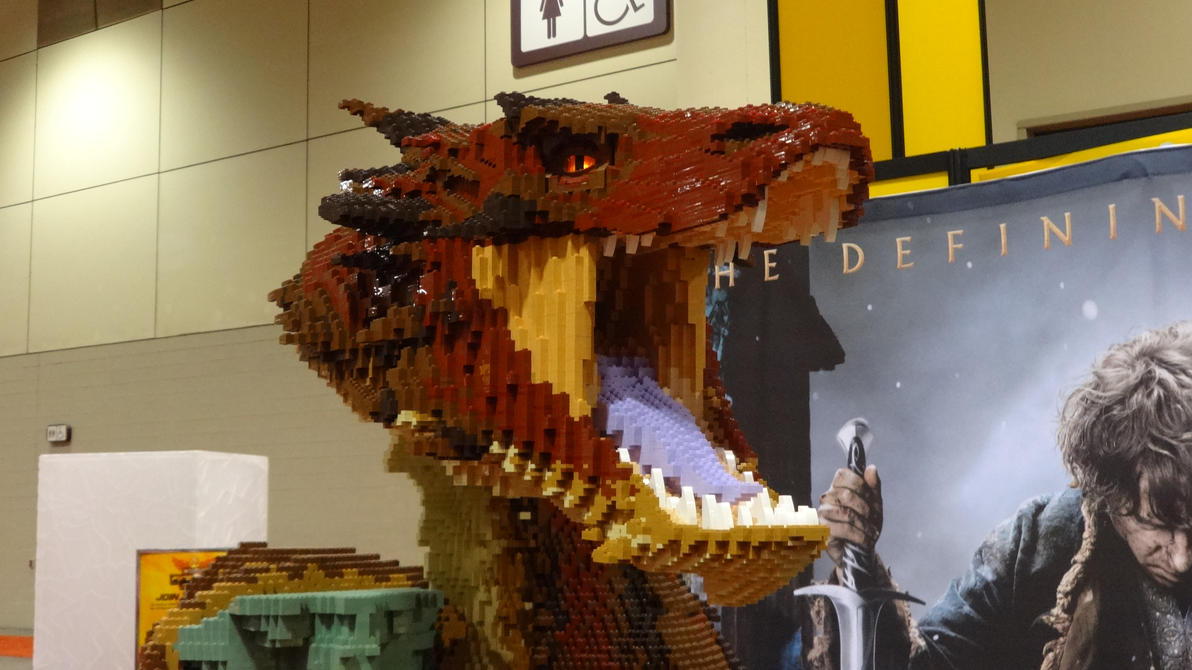 Fan Expo 2014 - Lego Dragon For The Hobbit 3-3 by jussicpark