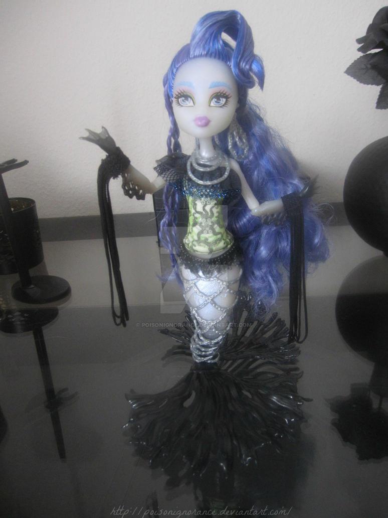 Sirena Von Boo by PoisonIgnorance